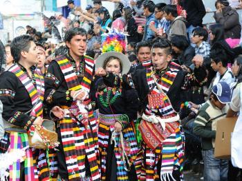 玻利维亚奥鲁罗的狂欢节09