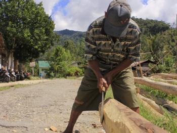 苏拉威西罗勃木屋的建造10