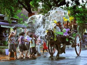 缅甸泼水节10