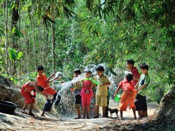 缅甸泼水节12