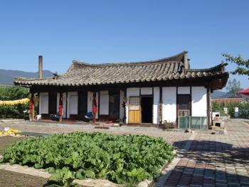 东北朝鲜族传统瓦房及瓦当01