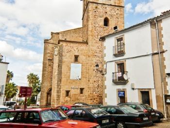 卡塞雷斯地区的教堂06