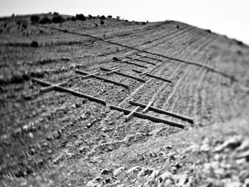 12个十字架墓碑11