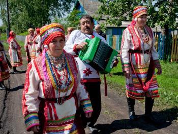 厄尔兹亚民族婚礼14