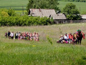 厄尔兹亚民族婚礼06