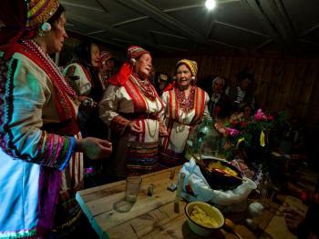 厄尔兹亚民族婚礼08