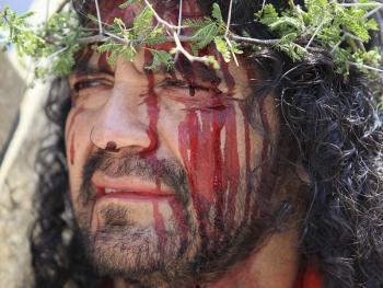 耶稣受难周表演01
