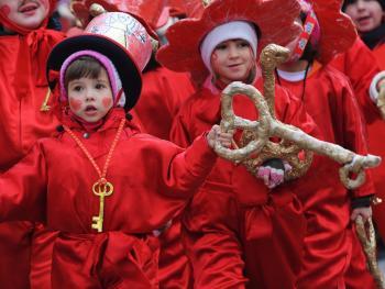 儿童狂欢节游行11