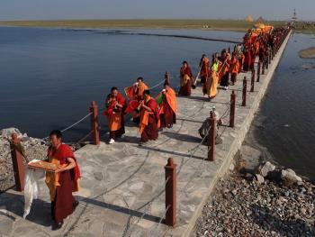 青海湖祭海08