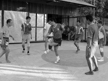 缅甸的传统运动藤球05
