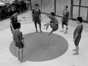 缅甸的传统运动藤球07