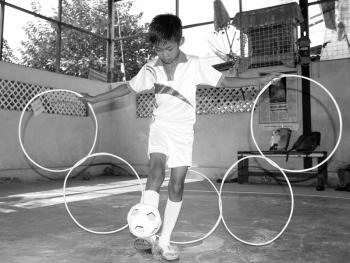缅甸的传统运动藤球08