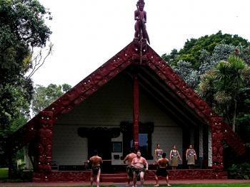 新西兰毛利人的迎宾礼节02