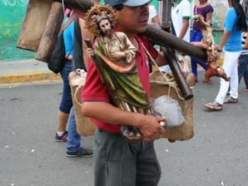 萨波潘的圣母节04