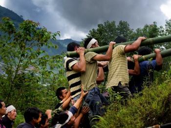 哈尼族葬礼09