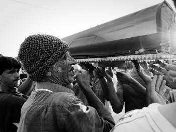 斯雷布雷尼察的集体葬礼11