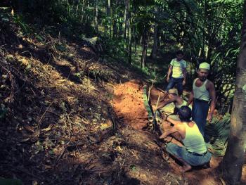 北苏门答腊简单的葬礼