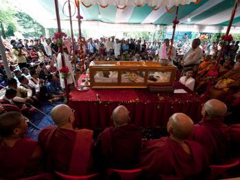 部落酋长的葬礼02