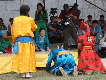 蒙古族婚礼习俗11