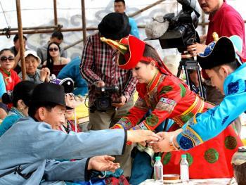 蒙古族婚礼习俗12