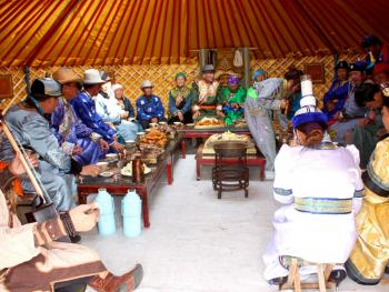 蒙古族婚礼习俗14