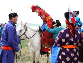 蒙古族婚礼习俗02