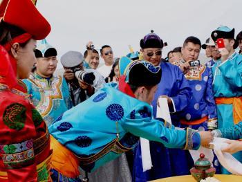 蒙古族婚礼习俗03