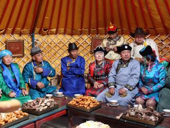蒙古族婚礼习俗04