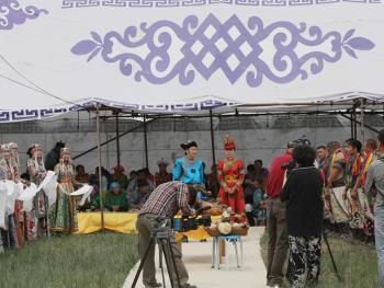 蒙古族婚礼习俗09