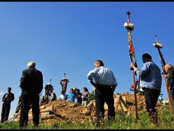 罗马尼亚小镇葬礼12