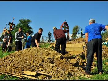 罗马尼亚小镇葬礼14