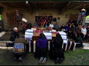 罗马尼亚小镇葬礼02