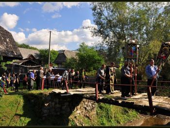 罗马尼亚小镇葬礼08