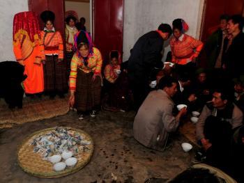 傈僳族婚俗11