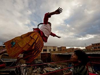 玻利维亚女子摔跤01