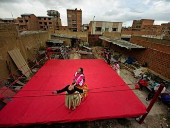 玻利维亚女子摔跤06