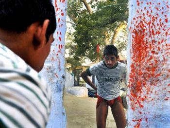 印度北部的传统摔跤学校01