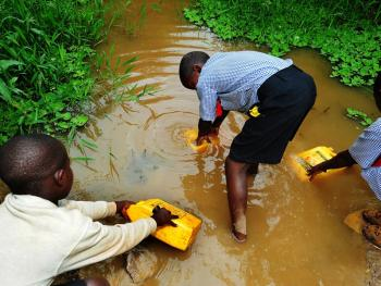 乌干达饮用水改造01