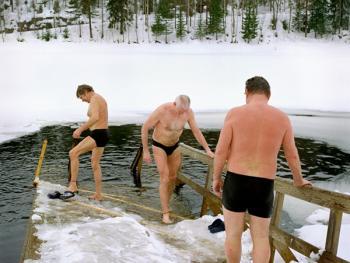 芬兰的冰泳06