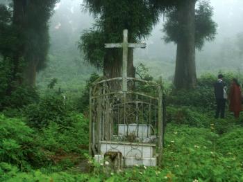 印度基督徒万圣节扫墓