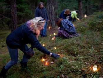 立陶宛万圣节扫墓02