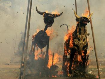 巴厘岛的火葬仪式10