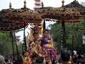 巴厘岛的火葬仪式04