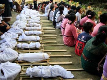 巴厘岛的火葬仪式08