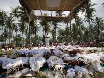 巴厘岛的火葬仪式09