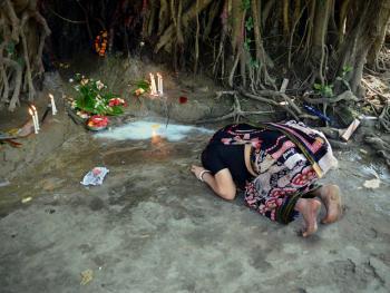 孟加拉妇女的榕树崇拜10