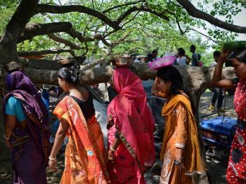 孟加拉妇女的榕树崇拜11