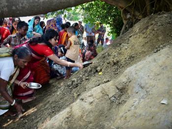 孟加拉妇女的榕树崇拜12