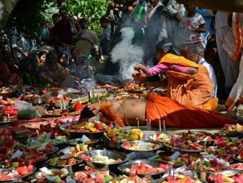 孟加拉妇女的榕树崇拜05