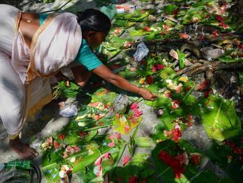 孟加拉妇女的榕树崇拜07